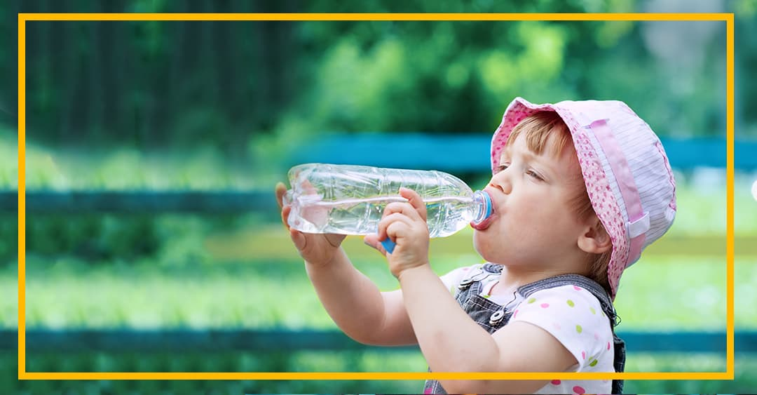 Hidratación en los niños: ¿Cuánta agua deben tomar?