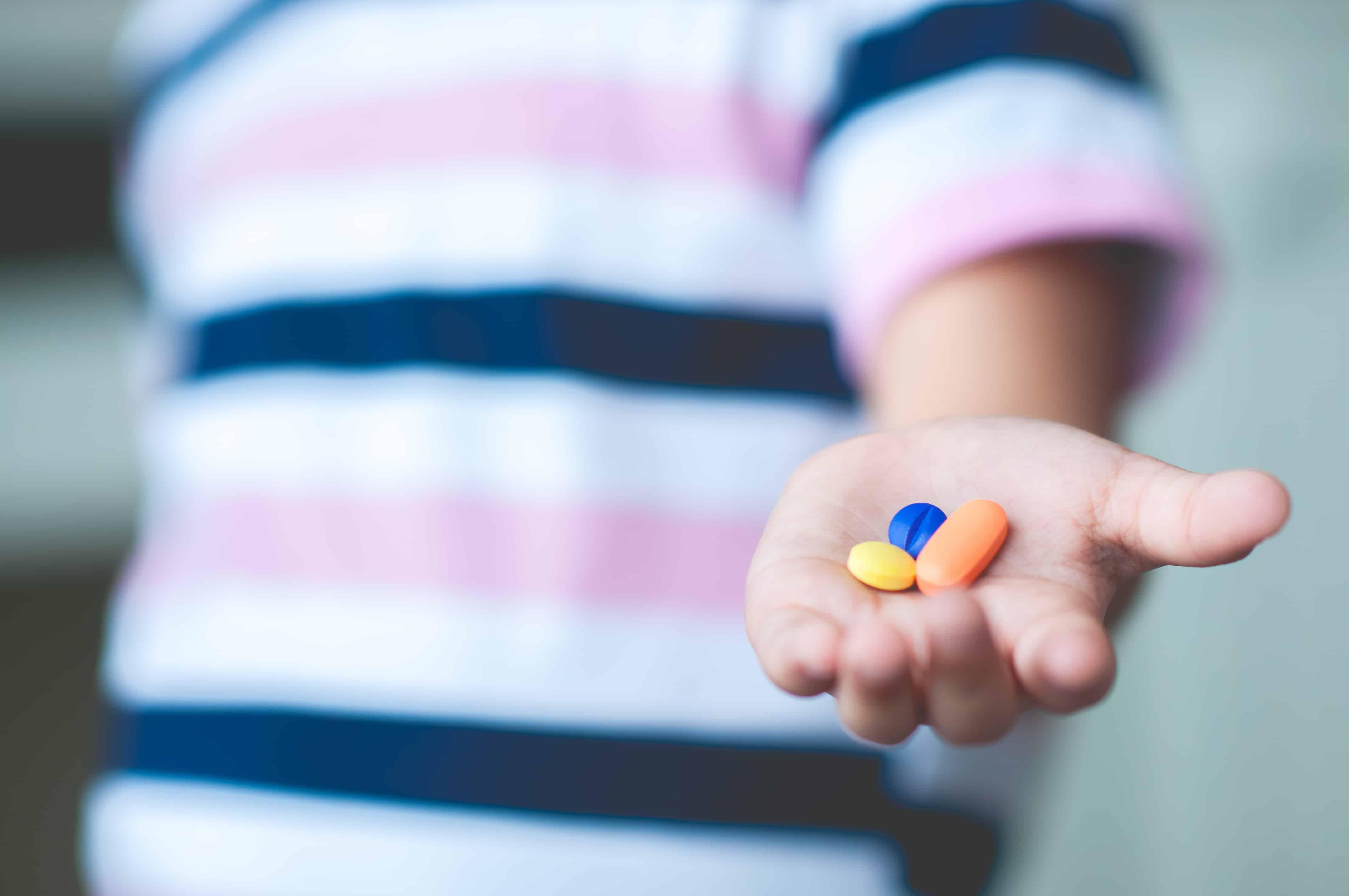 ¿Medicamentos al alcance de los niños? Consejos para evitar una ingesta incorrecta