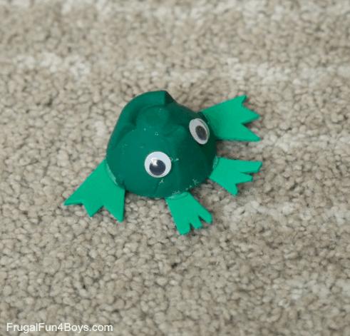 Juegos con material reciclado: 3 ideas para hacer en casa